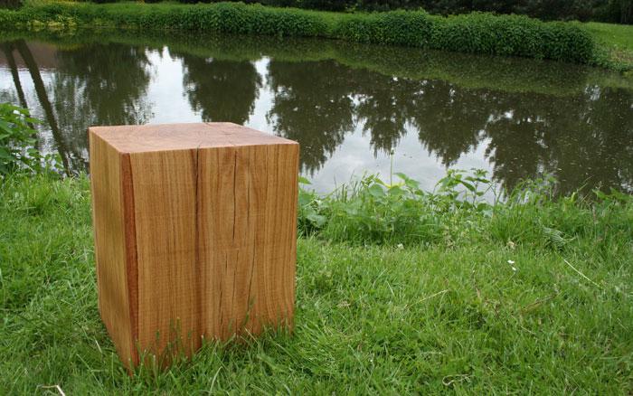 Holzklotz Hocker Eiche geölt 35cmx35cmx45cm