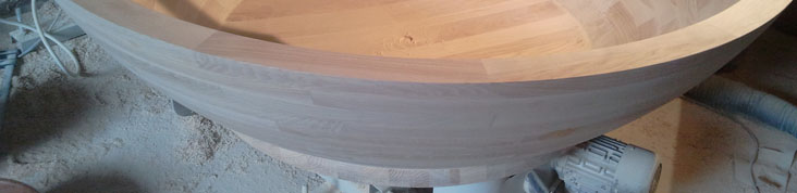 Die Außenseite ist auch fertig. Es fehlen noch das Loch für den Abfluss und die aufwändige Beschichtung